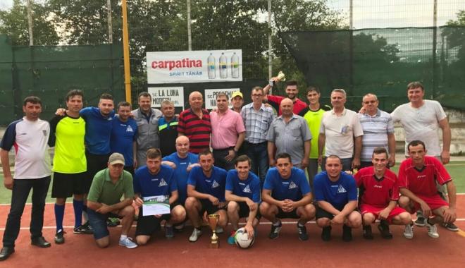 Campionatul Intern de mini-fotbal al SLN. Cine este noua campioană - campionatul2-1501088032.jpg