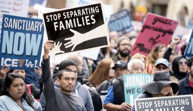 Foto: Canada, stupefiată de separarea  familiilor de imigranţi în SUA