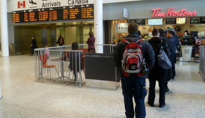Foto: Românii, la un pas de a merge fără vize în Canada!