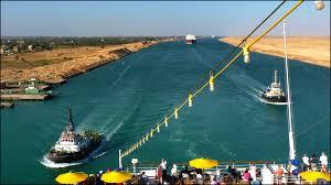 Foto: Canalul Suez atrage tot mai mulţi investitori