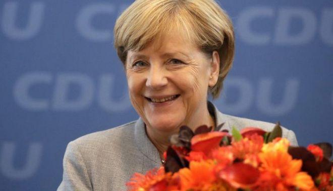 Foto: Cancelarul Angela Merkel promovează entuziasmul pentru Europa
