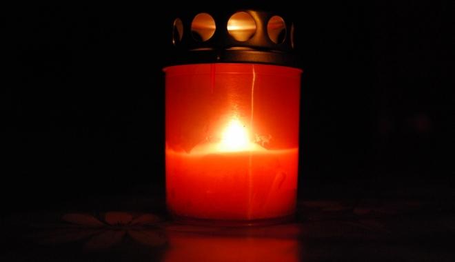 DOLIU ÎN ÎNVĂŢĂMÂNTUL CONSTĂNŢEAN. A MURIT UN RENUMIT PROFESOR UNIVERSITAR - candela-1498547118.jpg