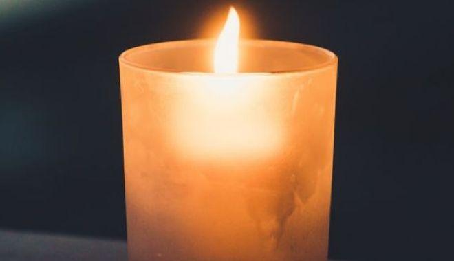 Doliu în învățământul constănțean! A murit un cunoscut profesor și director de liceu - candela-1567491665.jpg