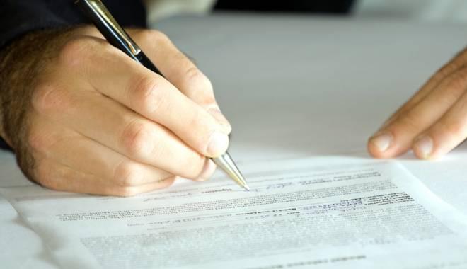 Foto: Când poţi rezilia contractul de telefonie, internet sau televiziune