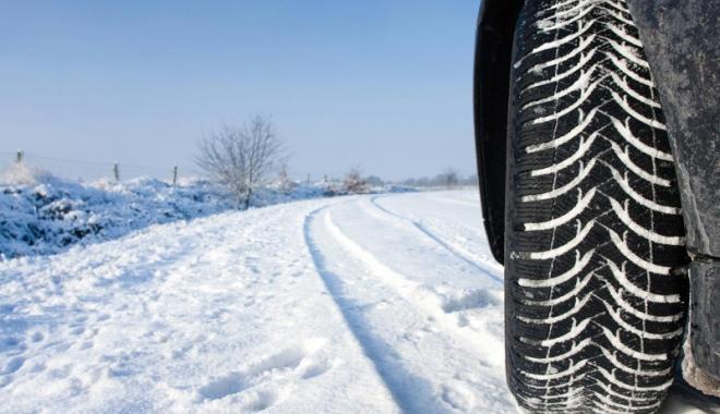 Foto: Când trebuie să vă echipaţi autoturismele cu anvelope de iarnă