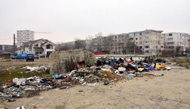 """Foto: Când va intra oraşul-port Constanţa în """"civilizaţia coşurilor de gunoi""""?"""