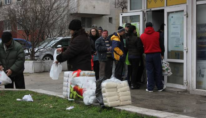 Foto: Anunţ de la Primăria Constanţa: Începe distribuţia pachetelor pentru pensionari
