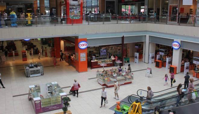 Foto: Cântec şi dans la City Park Mall, de Ziua Naţională  a României