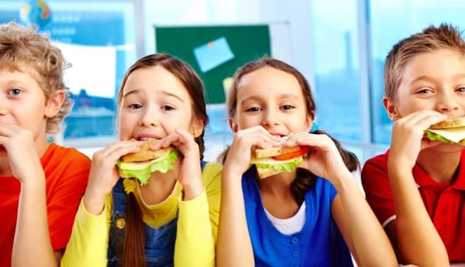 Foto: Capcana gustărilor nesănătoase din pachețelul școlarilor