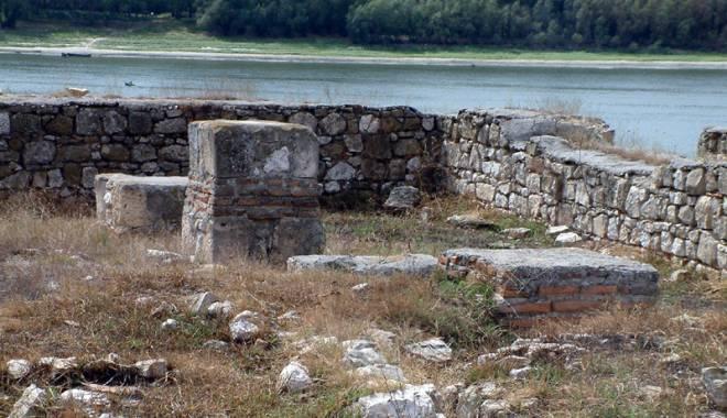 Galerie foto. Cetățile dobrogene Carsium și Capidava, în atenția UNESCO - capidavaruinegf5-1427826851.jpg