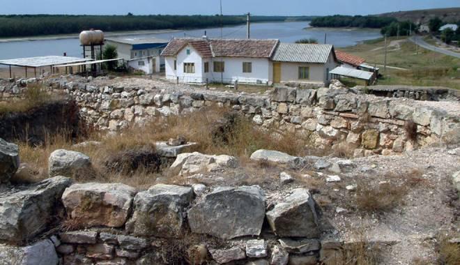 Galerie foto. Cetățile dobrogene Carsium și Capidava, în atenția UNESCO - capidavaruinegf7-1427826863.jpg