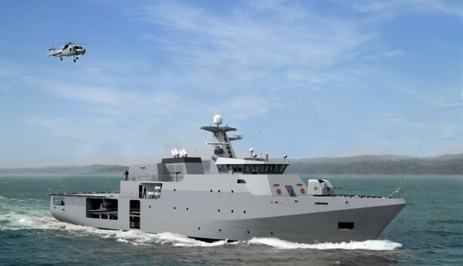 """Foto: Elevii Şcolii """"Jean Bart"""", în vizită la nava militară franceză """"Capricorne"""""""