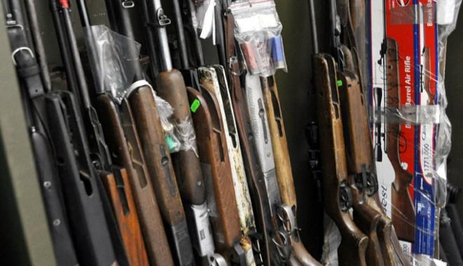 Foto: Captura poliţiştilor din Constanţa: zeci de arme şi kilograme  de substanţe periculoase