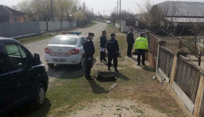 Poliție, jandarmi, militari! Carantină parțială în localitatea Cuza Vodă - carantinasursavrancea24-1587451294.jpg