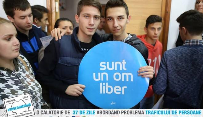 "Foto: Caravana #FREEDOMTOUR ajunge la Universitatea ""Ovidius"""