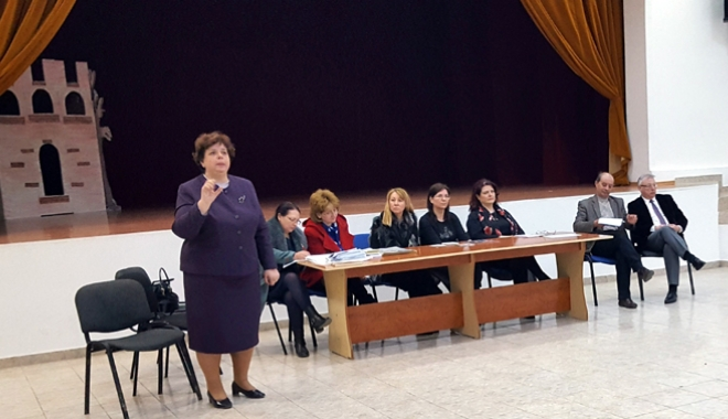 Foto: Caravana promovării învăţământului profesional