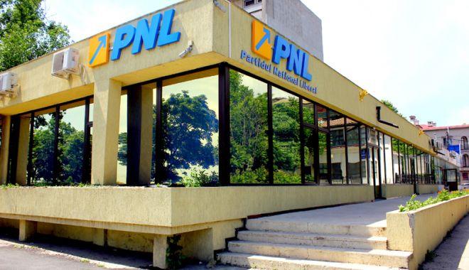 """Foto: PNL îi invită pe constănțeni la """"Caravana liberală"""""""