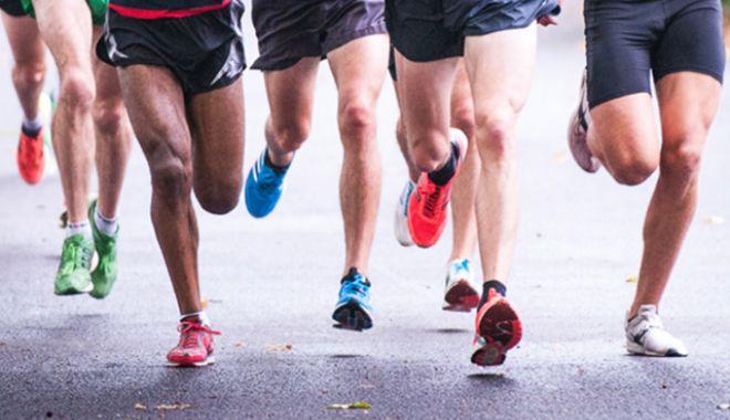 Foto: TRAGEDIE ÎN SPORT. Doi atleţi au făcut atac de cord pe pista de alergare şi AU MURIT la SPITAL
