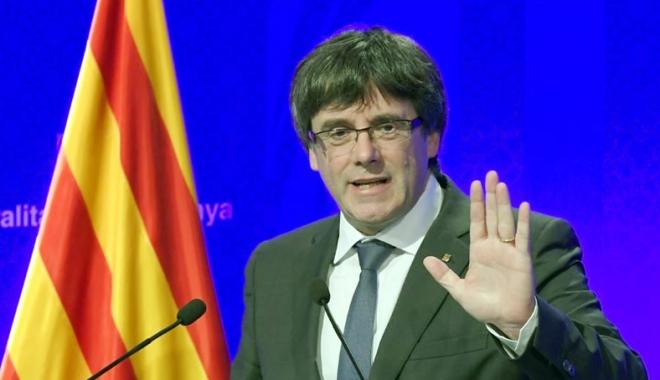Foto: Carles Puigdemont, termen de cinci zile să clarifice dacă declară independenţa Cataloniei