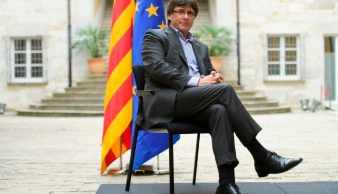 Foto: Catalonia bate în retragere. Premierul separatist cere negocieri cu Madridul