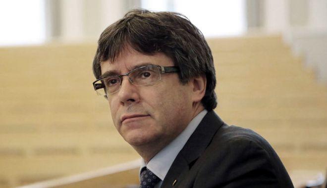 Foto: Carles Puigdemont renunţă la conducerea Cataloniei
