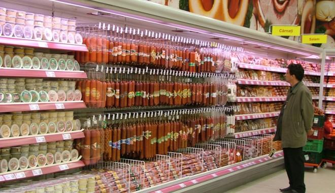 Foto: Reducerea TVA la 5 % pentru carne, cerută Parlamentului