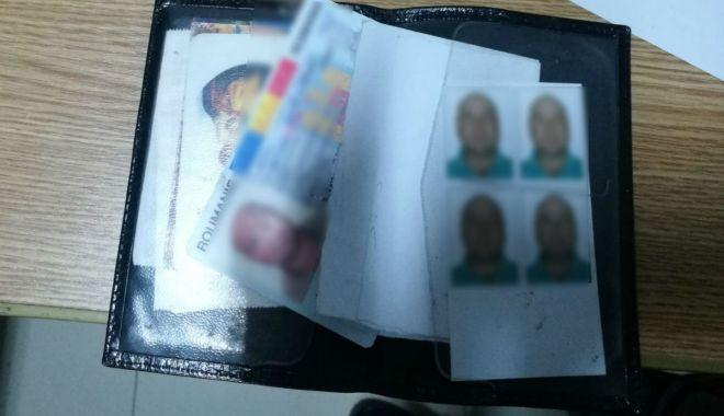 Foto: Carte de identitate falsă, descoperită la controlul de frontieră