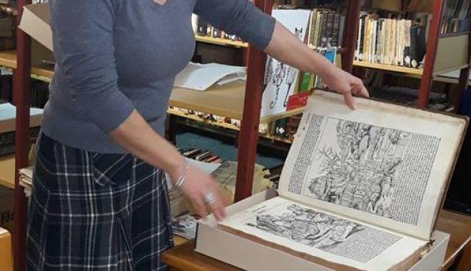 Comorile din subsolul Bibliotecii Județene. O singură carte veche valorează peste 325.000 euro - carti5-1549564374.jpg