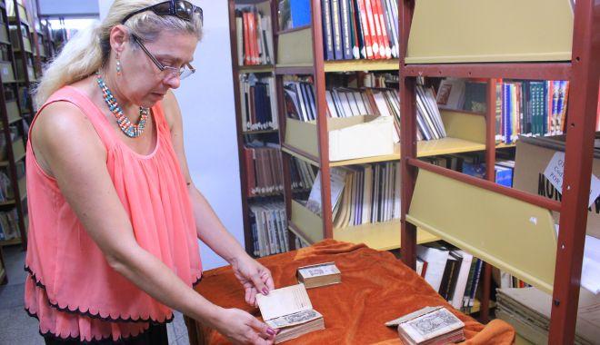 Comorile din subsolul Bibliotecii Județene. O singură carte veche valorează peste 325.000 euro - cartivechibibliotecajudeteana1-1549564384.jpg