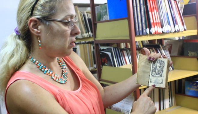 Comorile din subsolul Bibliotecii Județene. O singură carte veche valorează peste 325.000 euro - cartivechibibliotecajudeteana21-1549564397.jpg
