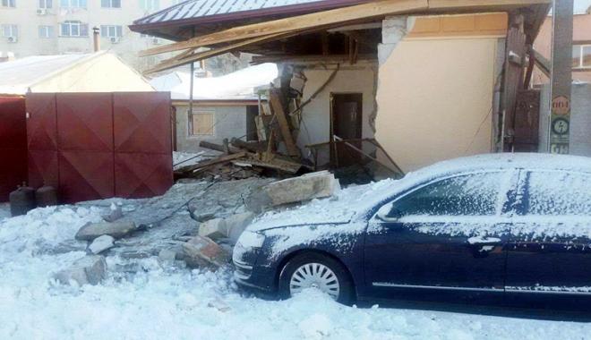 Foto: Casă zguduită din temelii de explozia unei butelii