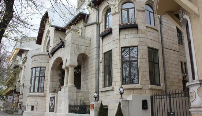 Foto: Zona Peninsulară şi-a păstrat o emblemă de lux: Casa Cănănău