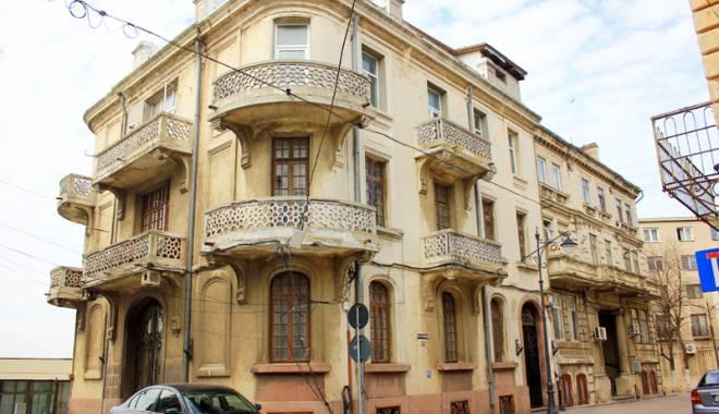 O şansă pentru clădirile istorice  din Constanţa. Cine se înhamă să le reabiliteze - casaculei13-1455906711.jpg