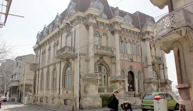 Casa cu Lei, palatul-ruină din Zona Peninsulară - casaculei5-1333561154.jpg