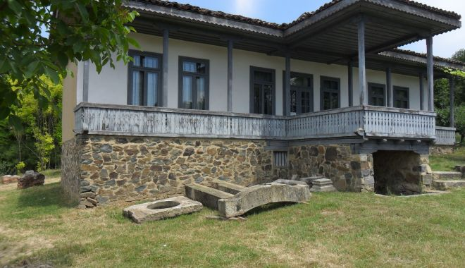 Excursie într-un loc mirific. Casa de poveste de la Oltina îşi aşteaptă vizitatorii - casadepoveste2-1561158499.jpg
