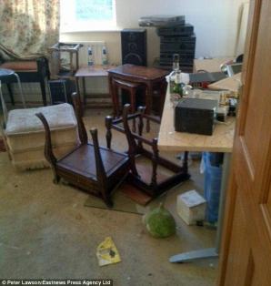 Foto: FOTO / I-au devastat casa în urma unui anunţ dat pe Facebook!