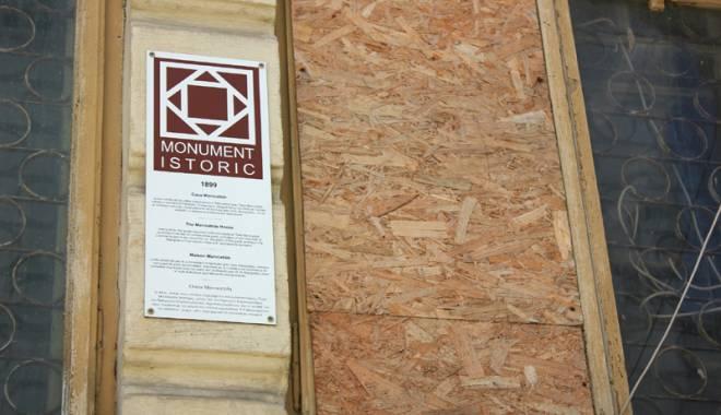 Un simbol în ruină! Mărirea  şi decăderea Casei Manicatide - casamanicatide21-1441544557.jpg