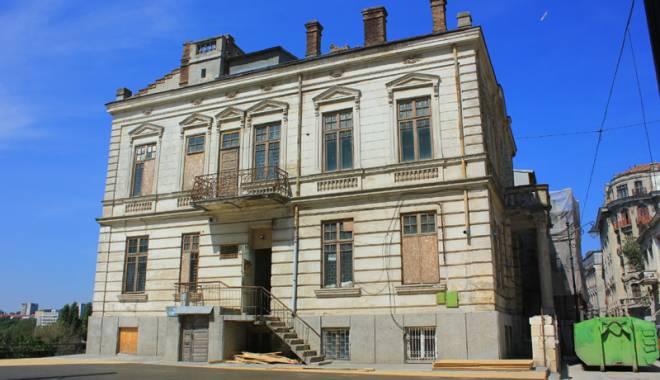 Un simbol în ruină! Mărirea  şi decăderea Casei Manicatide - casamanicatide9-1441544583.jpg