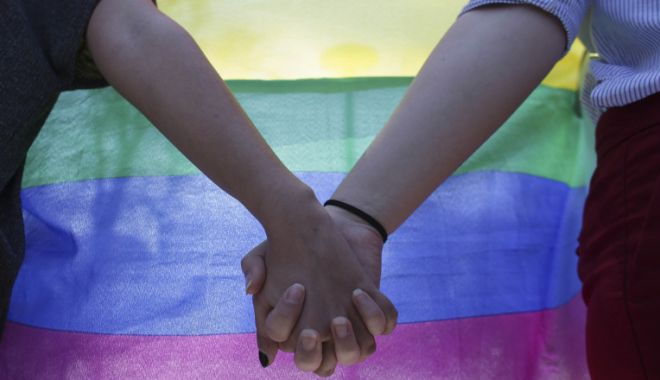 Elvețienii au votat pentru legalizarea căsătoriilor între persoane de același sex - casatorie-1632675389.jpg