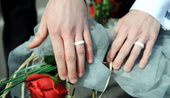 Foto: Kansas legalizează căsătoriile între persoane de acelaşi sex