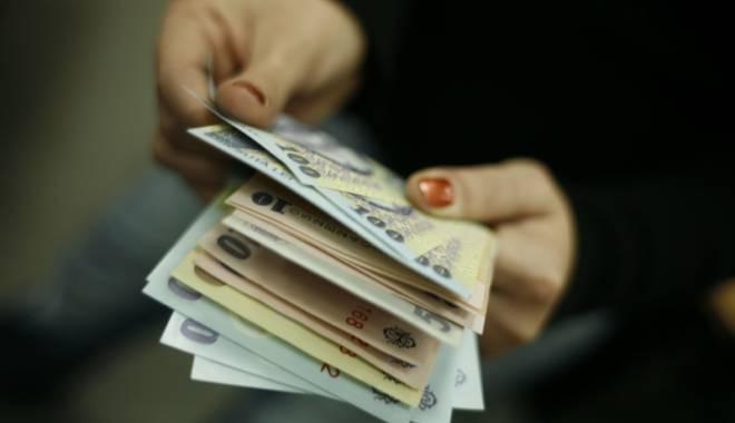 Foto: Câştigul salarial real al românilor, mai mare doar cu 35,1% faţă de 1990