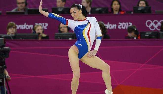Foto: Cătălina Ponor, performanță SPECTACULOASĂ: Medalii de AUR în Cupa Mondială de la Baku / VIDEO