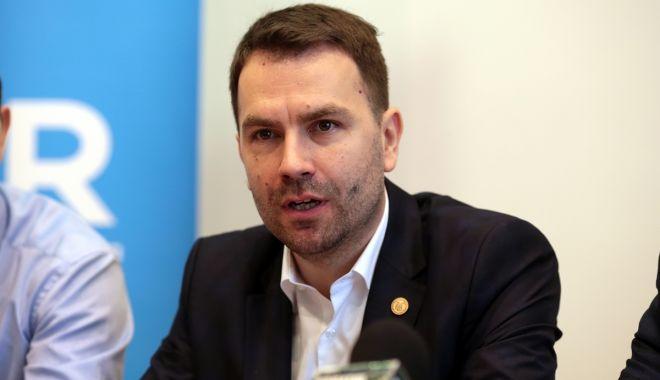 Ministrul Cătălin Drulă vrea să desfiinţeze Autoritatea de Reformă Feroviară - catalindrula-1620557902.jpg