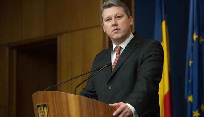 Foto: Cătălin Predoiu nu mai candidează la şefia PNL