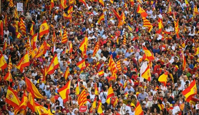 Foto: Catalonia face un pas înapoi: Premierul separatist suspendă declarația de independență
