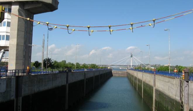 Foto: Cât vor câştiga angajaţii Administraţiei Canalelor Navigabile în 2016