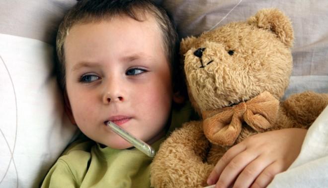Foto: Cât de periculoasă e febra la copii