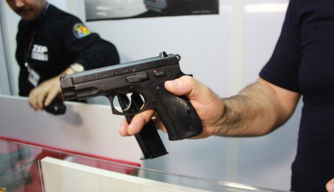 Foto: Cât de simplu pot să rămână constănţenii fără arme