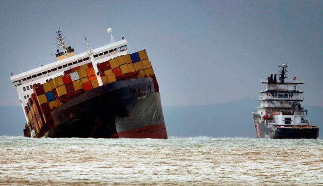 Foto: Câte containere încărcate cu mărfuri ajung pe fundul mărilor și oceanelor?