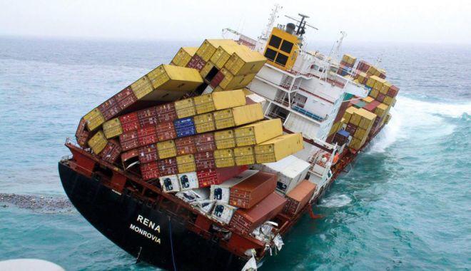 Câte containere încărcate cu mărfuri ajung pe fundul mărilor și oceanelor? - catecontainerecumarfuriajungpefu-1547216411.jpg